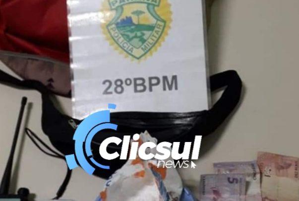 PM DE RIO NEGRO DESMANTELA PONTO DE TRÁFICO DE DROGAS.