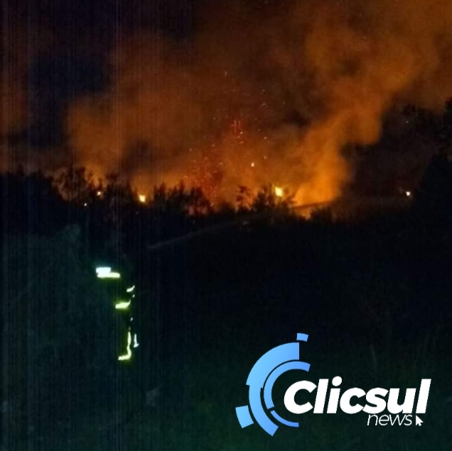 Corpo de Bombeiros de São Mateus do Sul previnem residências em combate a incendio