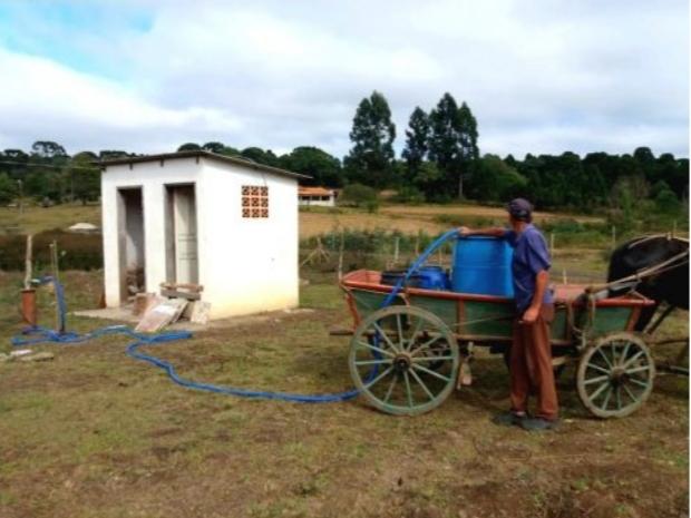 Defesa Civil Municipal realiza instalação de bomba em poço artesiano no interior de São João do Triunfo
