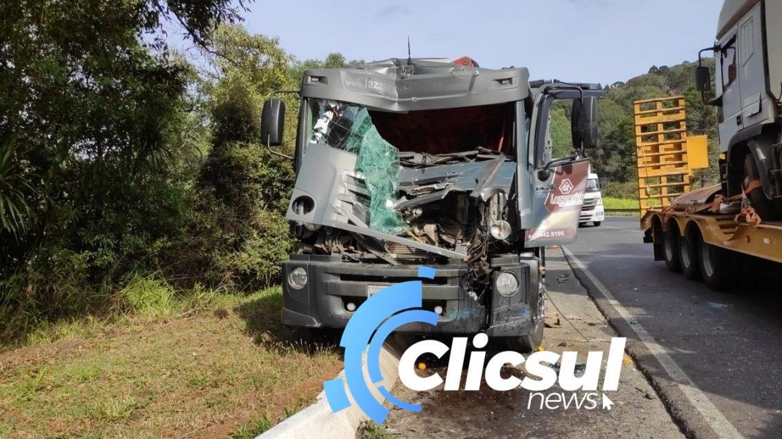Colisão traseira na BR 153 deixa motorista ferido