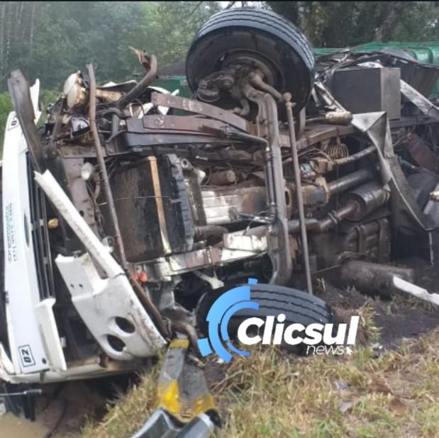 Motorista do caminhão do acidente na BR 476 não resiste e morre