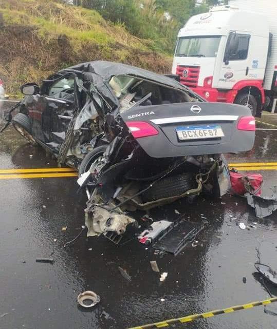 Três servidores da Casa Civil do Paraná morrem em acidente entre caminhão e cinco veículos, na BR-277 próximo a Teixeira Soares