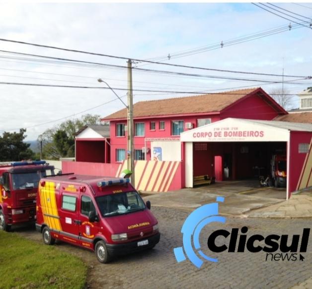 Corpo de Bombeiros de São Mateus do Sul recebem Ambulância nova e equipamentos de socorro
