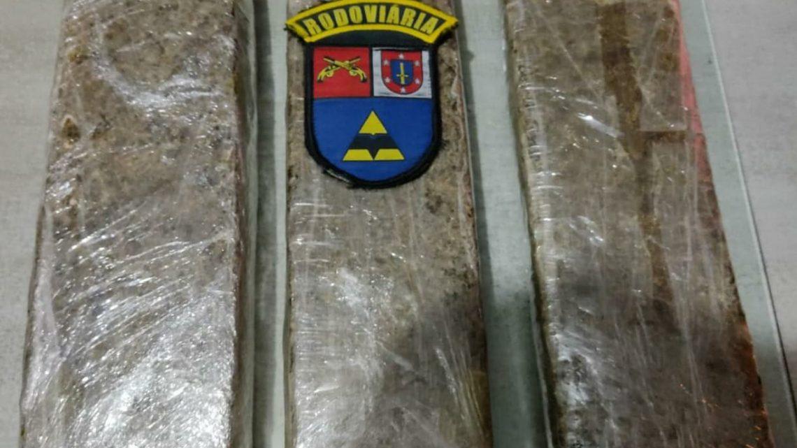 PRE da Lapa prende mulher em posse de drogas