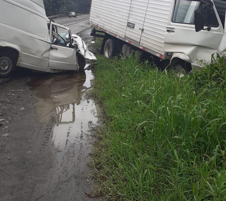 Motorista morre em grave acidente na BR 280 em Três Barras