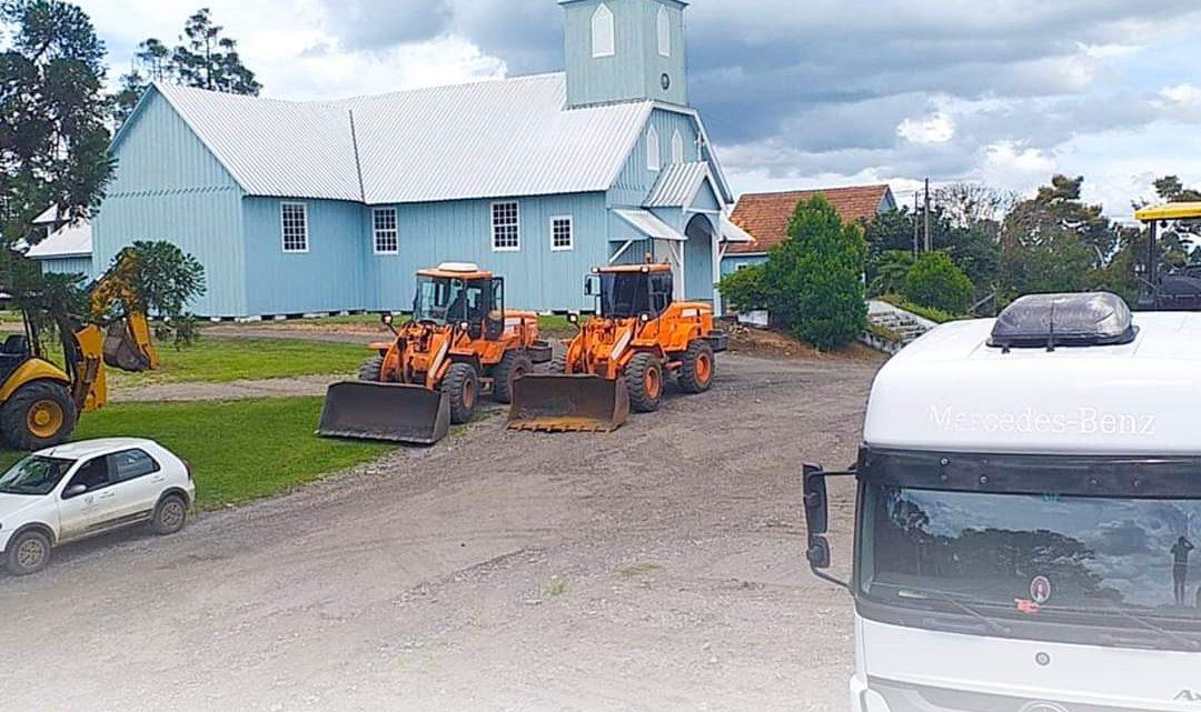 Prefeitura Municipal inicia obras em estradas Rurais na região ds Água Branca