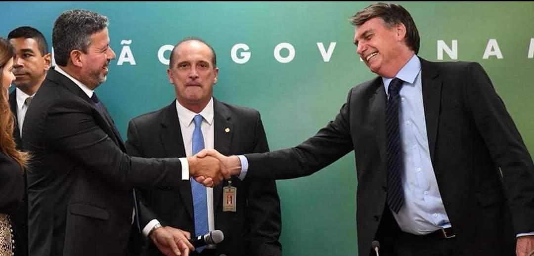 Candidato de Bolsonaro, Arthur Lira é eleito presidente da Câmara