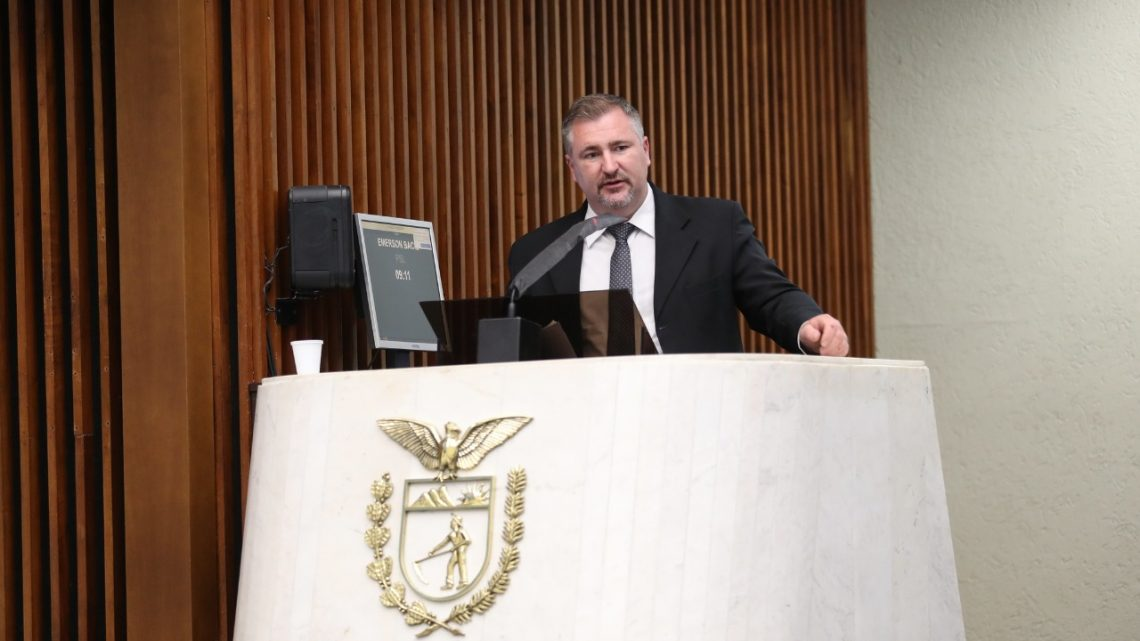 Deputado Bacil reabre debate sobre Revalida buscando alternativas para ampliar atendimento médico no PR