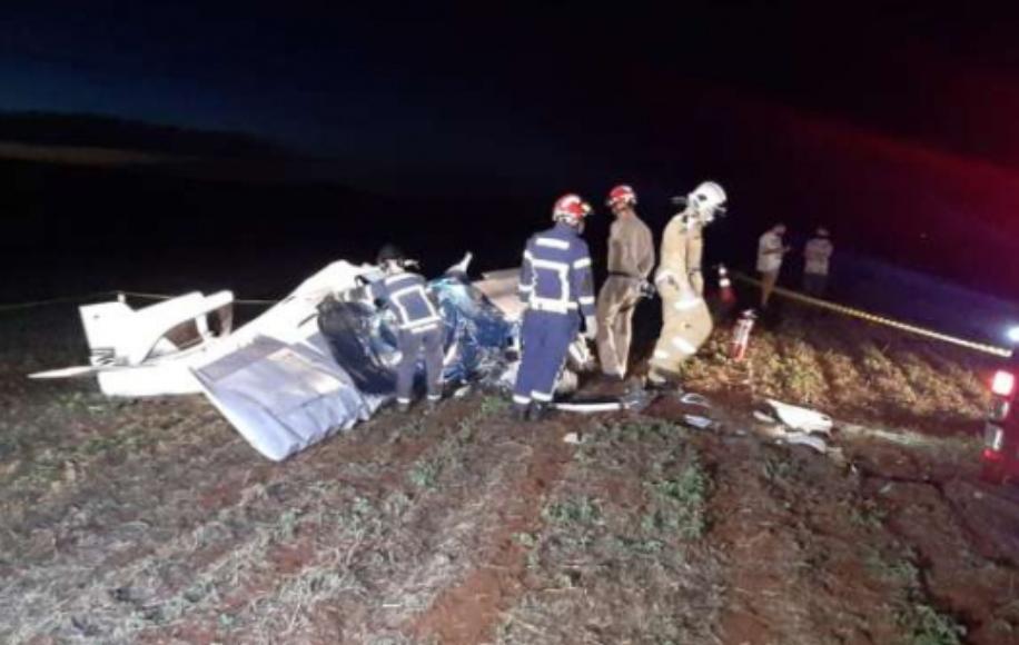 Avião cai e duas pessoas morrem em aeroporto executivo de Cascavel