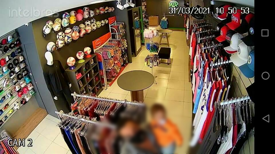 Loja é alvo de furto no centro de São Mateus do Sul