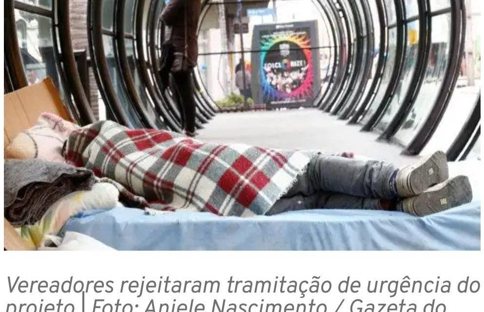 Greca propõe organizar distribuição de comida a moradores de rua, mas multa causa polêmica