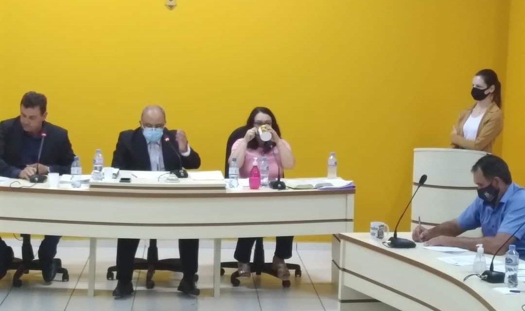 Ex secretaria de finanças de Paulo Frontin afirma: Dinheiro enviado para combater o Covid-19 foi usado para pagar folha de pagamento de funcionários municipais