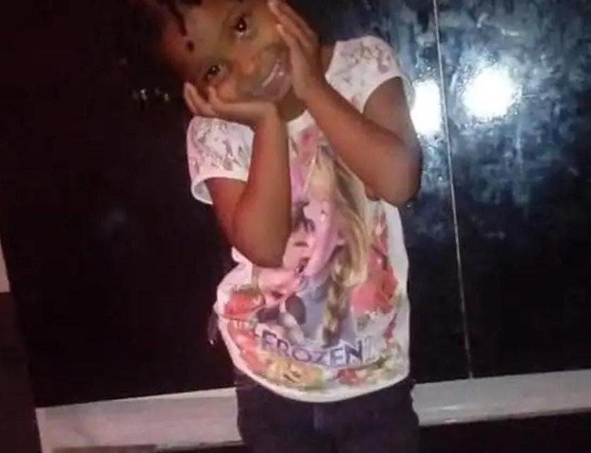 Morre a menina de seis anos que foi torturada pela MÃE e MADRASTA