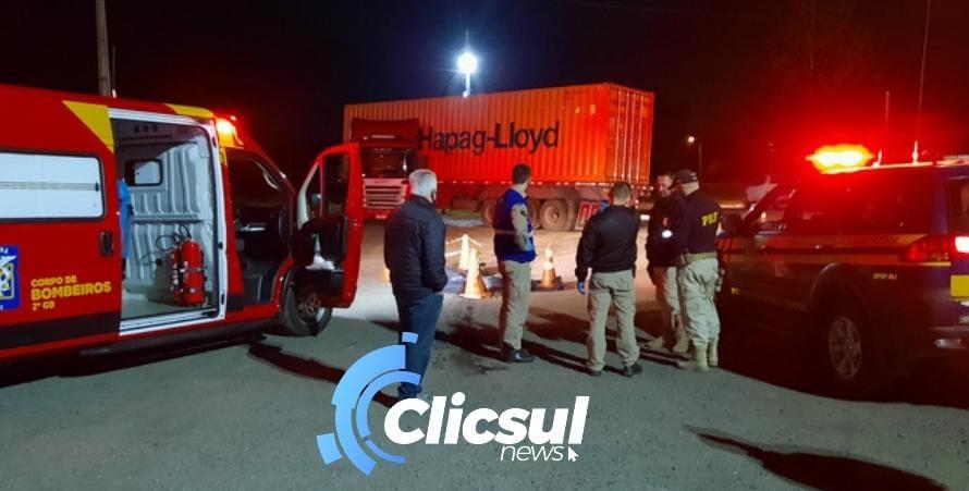 Motorista morre após a própria carreta o atropelar na BR 476 em Antônio Olinto