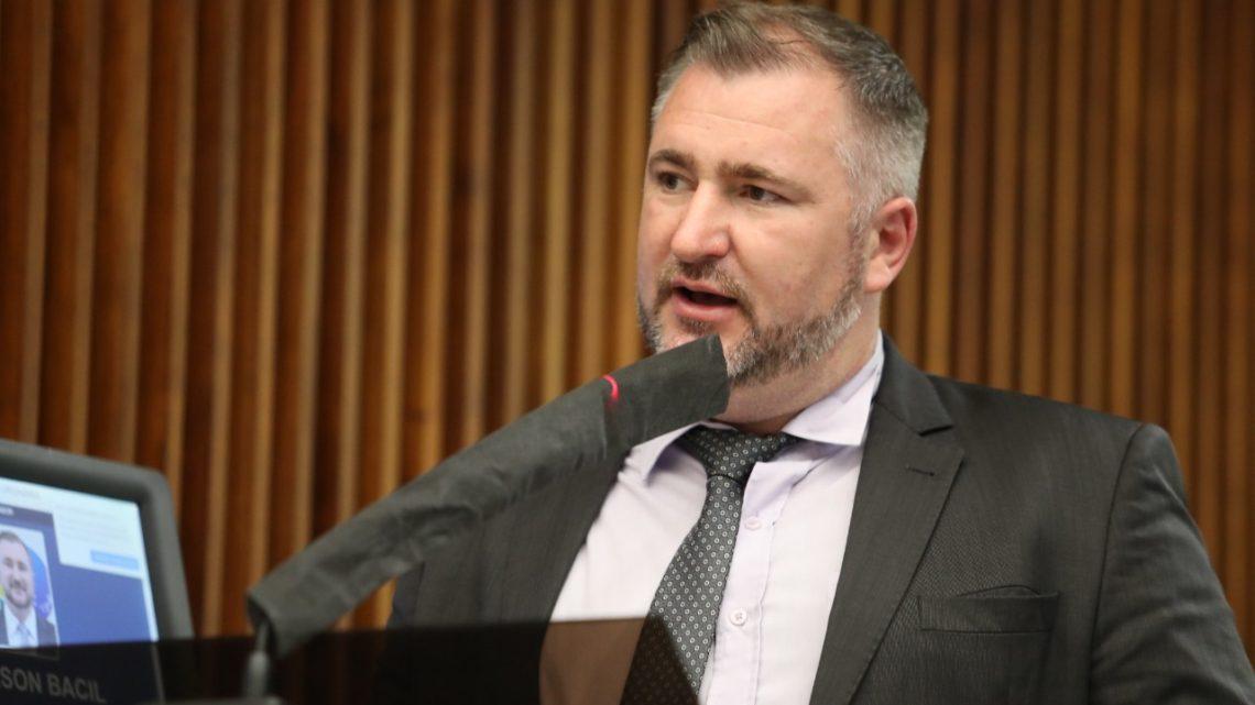 Após ir à tribuna pedir urgência, deputado Bacil destaca anúncio de R$ 8 milhões para rodovias não pavimentadas da região