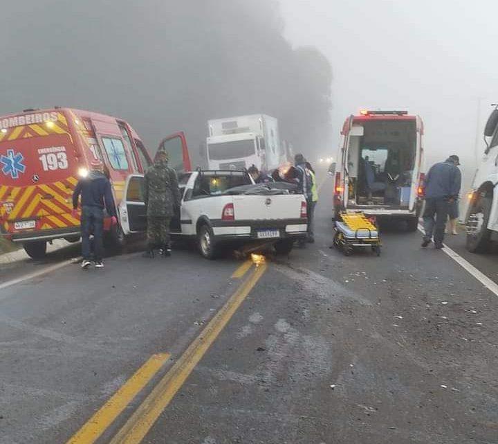 Um acidente envolvendo veículo e caminhão foi registrado na manhã desta quarta-feira na BR 280