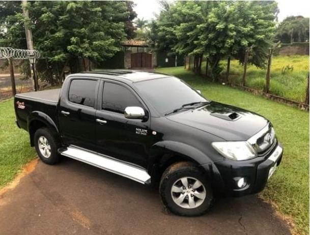 O veículo Toyota Hilux roubada em Antônio Olinto foi recuperada em Garuva SC
