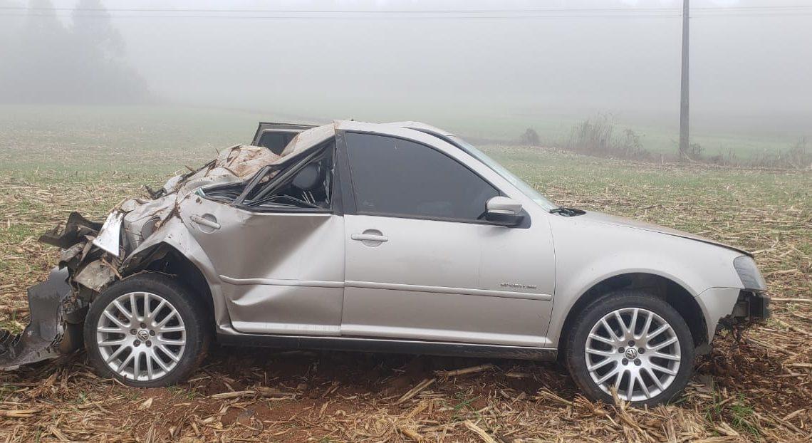 PRE atende acidente tipo capotamento na PR 151 em São Mateus do Sul