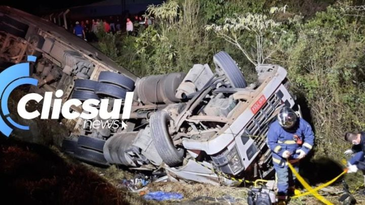 Caminhoneiro morre em tombamento na PR 151  em São Mateus do Sul