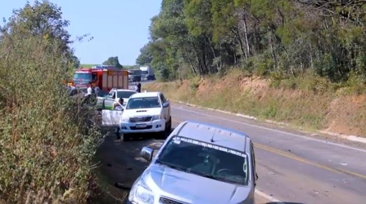 Engavetamento na br-280 em Irineópolis deixa vítimas gravemente feridas