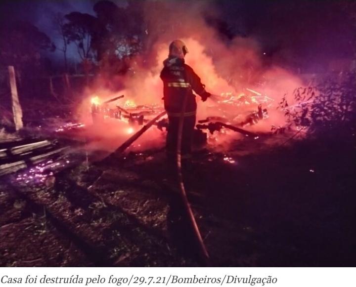 Incêndio em residência deixa homem com 50% do corpo queimado em Três Barras